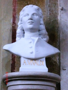 Vivaldi, Bust, S.M.Bragora