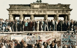 fallofberlinwall_bundle_576x361